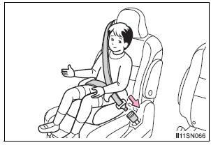 Toyota Sienna. Booster seat